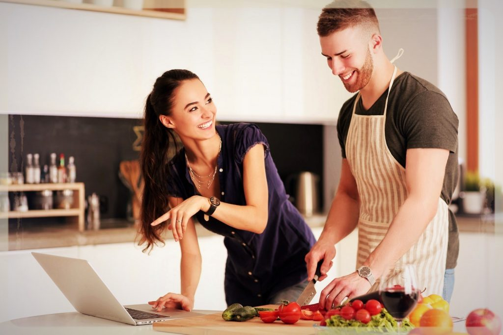 Date-Night-Ideas-Home-Cooking-Competition