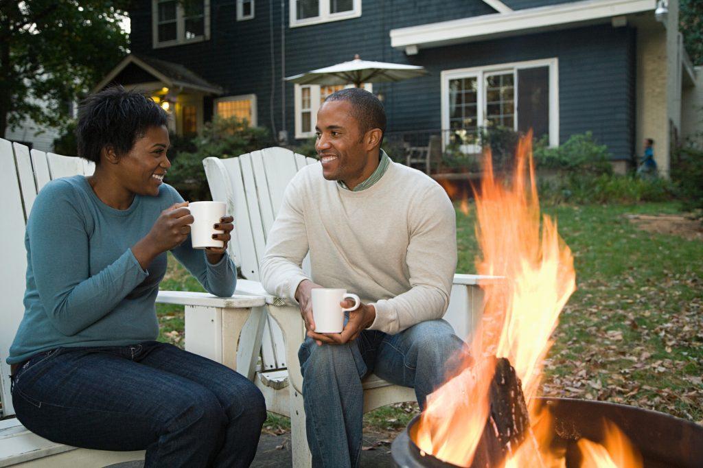 Perfect Fall Date Ideas - Backyard Bon Fire