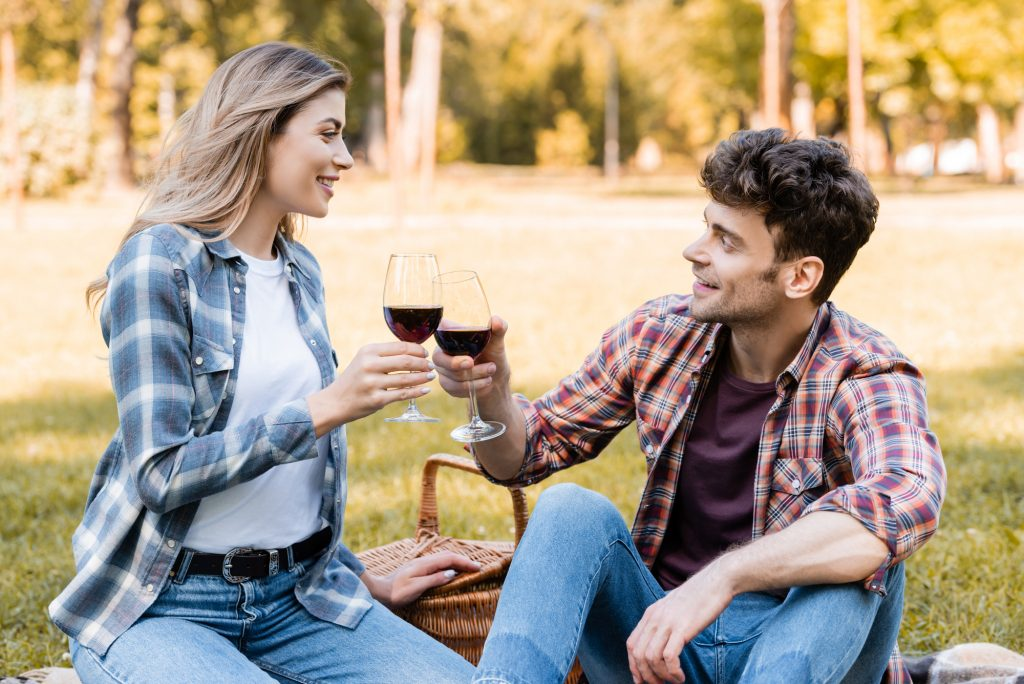 Perfect Fall Date Ideas - Plan A Fall Picnic