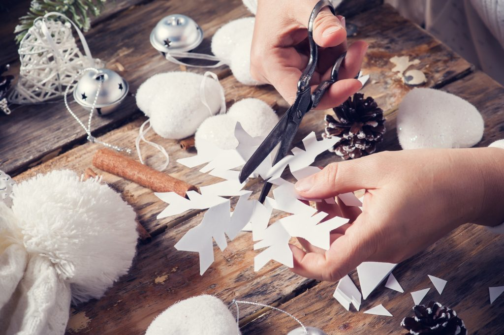 10 Holiday Date Night Ideas for Winter 2020 - DIY Project