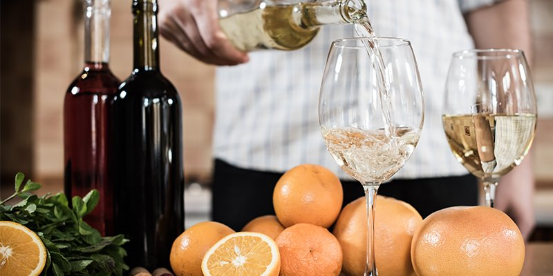 10 Holiday Date Night Ideas for Winter 2020 - Wine or Beer Tasting